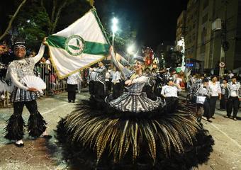"""Friburgo: Vilage é bicampeã com show do """"Carnaval de Cinema"""""""