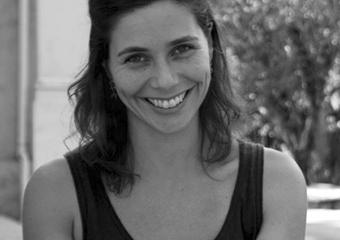 Contação de Histórias com Julia Grillo em Lumiar domingo