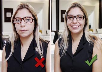 Escolher um par de óculos exige tempo e disposição para experimentar vários  modelos até chegar ao ideal. Muita gente não tem paciência para escolher a  ... 4a445a2259